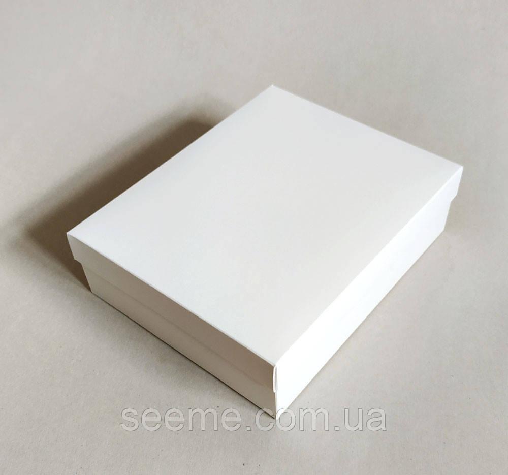 Коробка подарункова 250x200x70 мм.