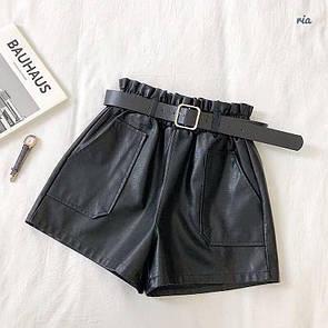 Женские кожаные шорты с поясом и накладными карманами 77si349