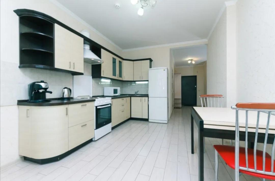 Посуточно, квартира люкс в новом доме Метро Позняки, Осокорки  Киевская область, Киев, Дарницкий