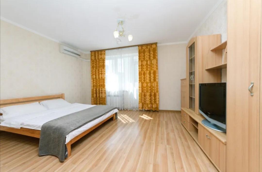 Посуточно, квартира люкс в новом доме. Метро Осокорки, Позняки Киевская область, Киев, Дарницкий