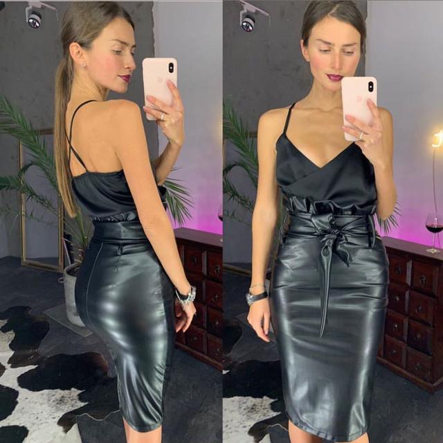 Стильная классическая юбка карандаш из эко-кожи с высокой посадкой