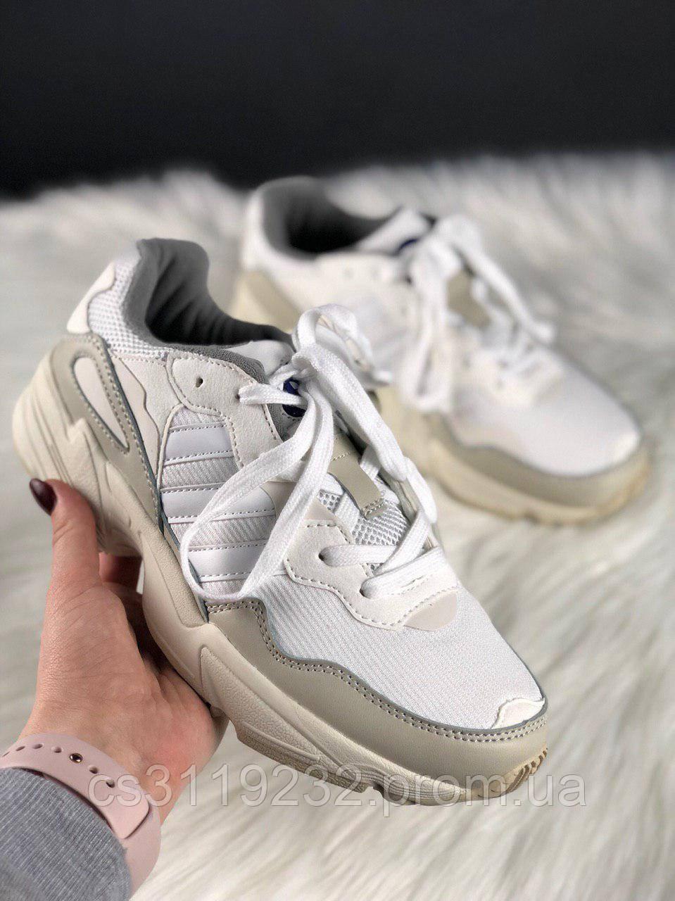 Женские кроссовки Adidas Yung 96 White (белые)
