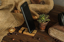 Компактный органайзер держатель из дерева крючок с гравировкой для телефона планшета