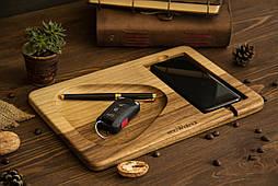 Органайзер док станция из дерева ореха для смартфонов