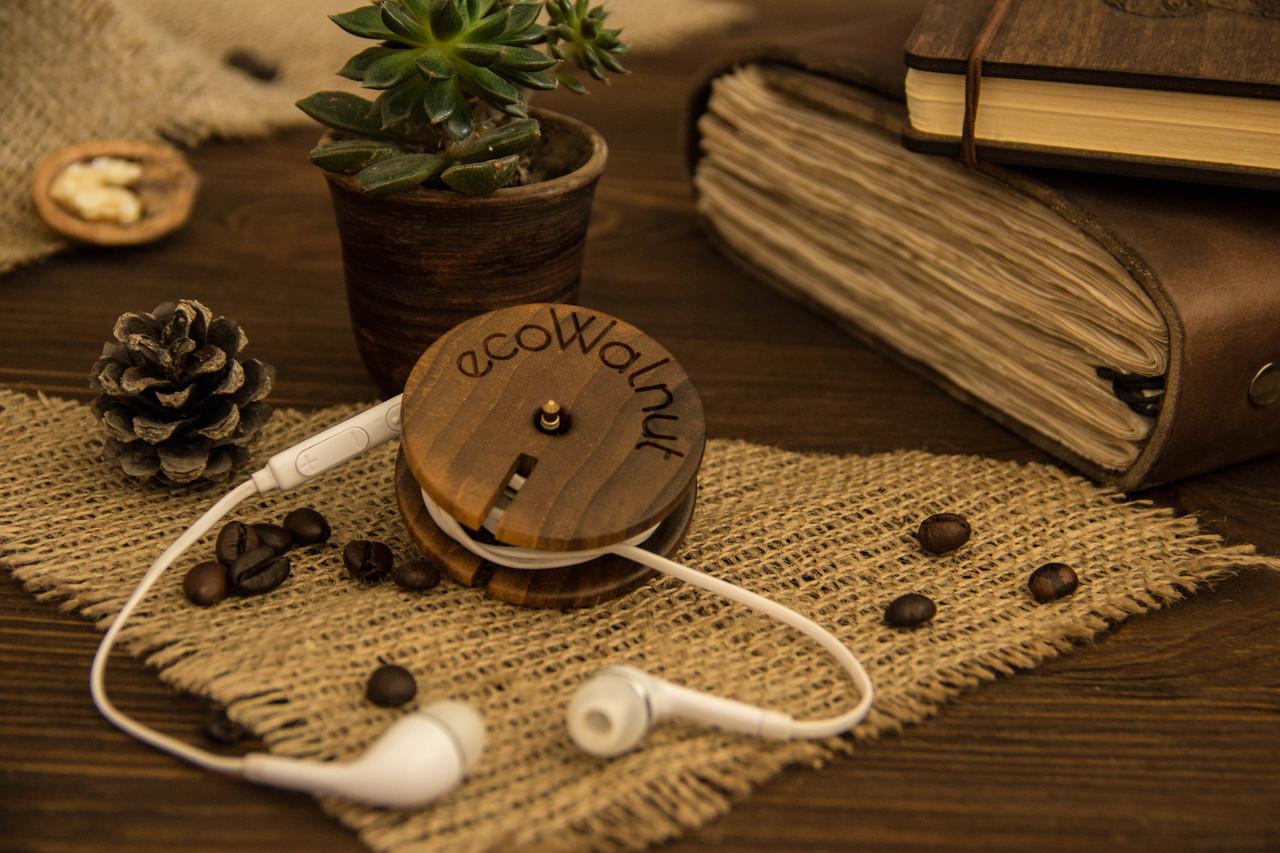 Котушка для навушників з дерева