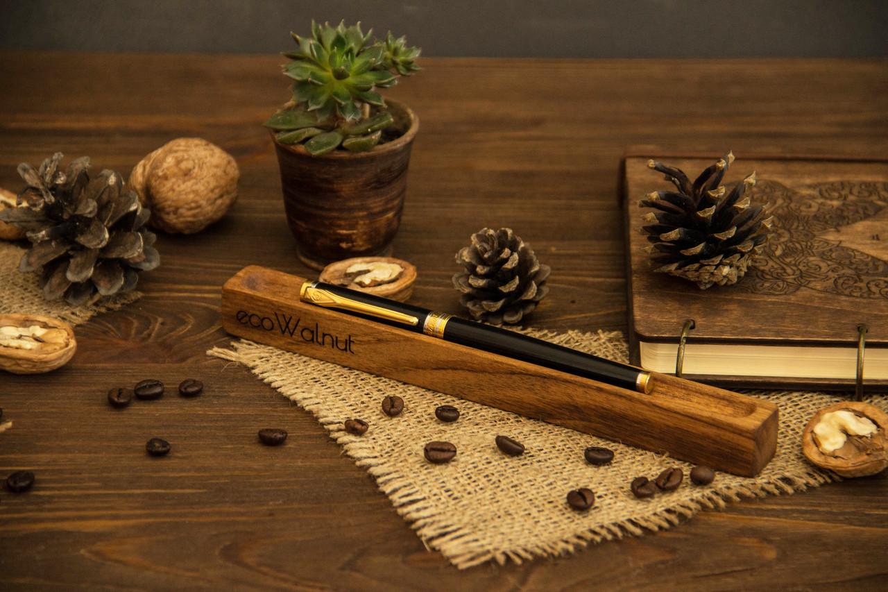 Подставка для ручки из древесины грецкого ореха