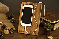 Подставка для смартфона. Офисный настольный органайзер из дерева
