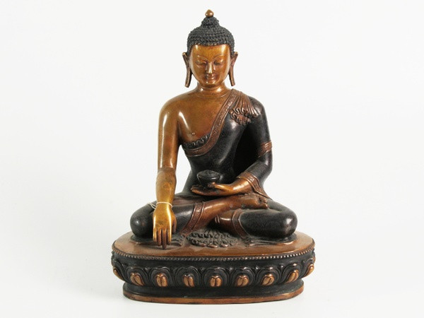 Статуя. Бронза. Будда Шак'ямуні. Атл. Різьблений (28х20х13 см) Оксид світлий
