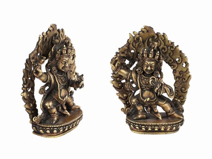 Статуя. Бронза. Чана Дордже (Ваджрапані) (15х12х4,5 см)