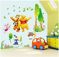 Наклейка на стену, виниловые наклейки Винни-Пух в обнимку с Тигрой (лист 90*60см) 70*1м70см