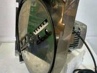 Корморезка Зубренок электрическая ( корнеплоды, зерно, сенорезка, стеблерезка)