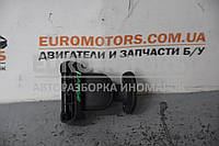 Замок заднього бокового скла (жабри) Renault Kangoo 1998-2008 8200103306