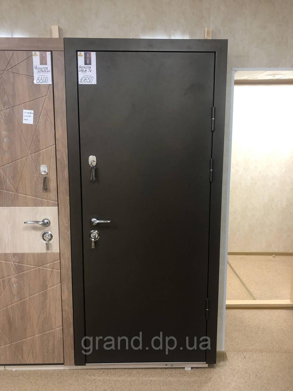 Двери входные металлические Магда Уличные 4 венге горизонт серый 141