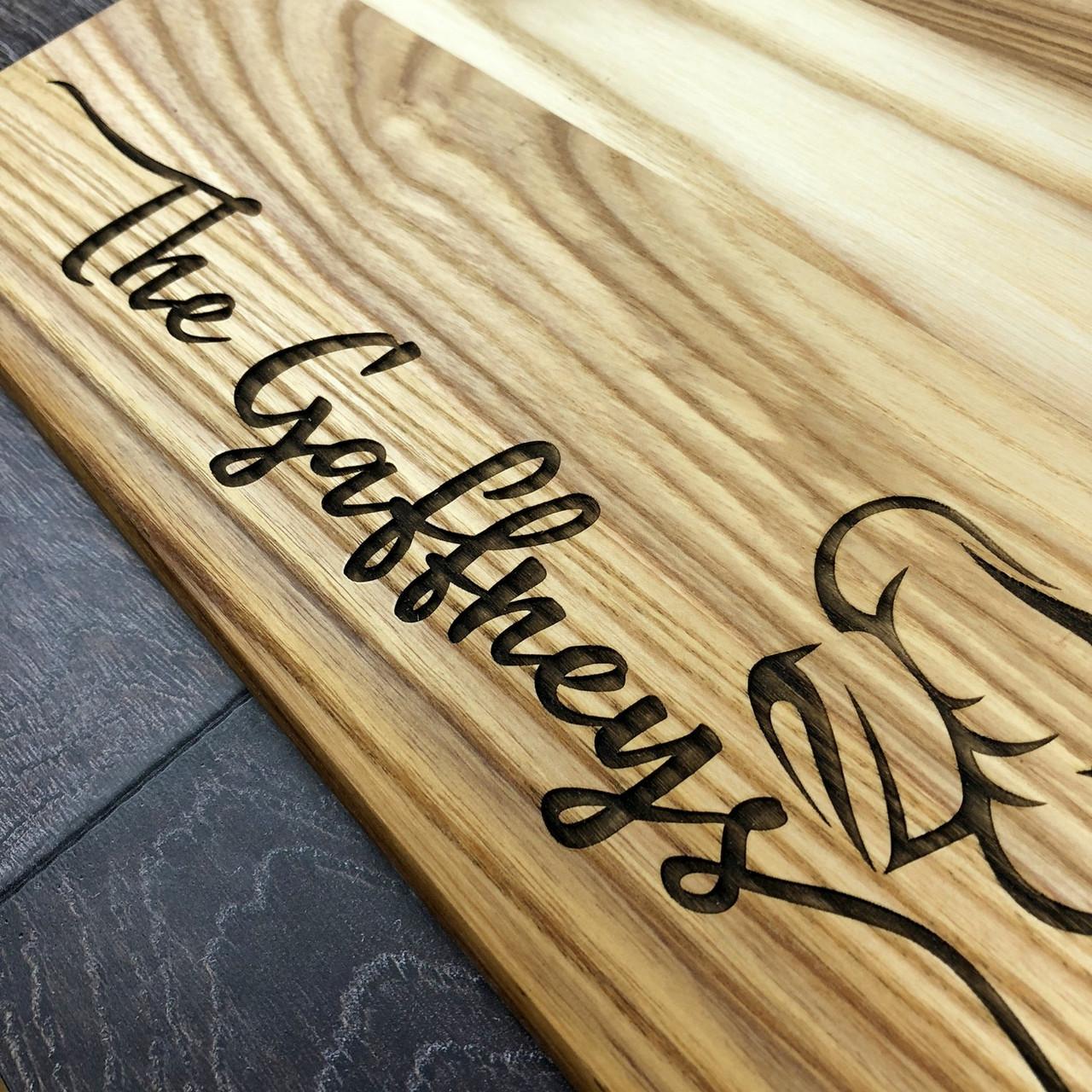 Деревянная кухонная разделочная доска 40 х 25 см с гравировкой