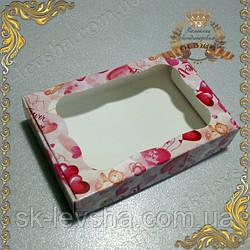 Коробка 100*150*30 для пряников Love с фигурным окном
