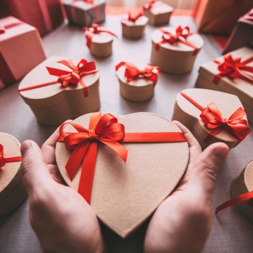 Романтичні подарунки