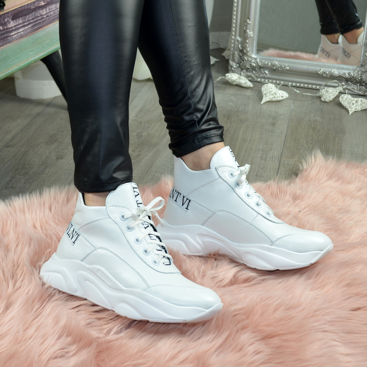 Ботинки женские кожаные демисезонные на шнурках, цвет белый