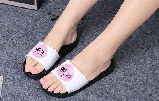 Женские легкие тапочки с розовой каплей