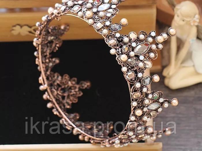 Корона повного кола з перлинами кольору капучіно, кристалами чорного, коричневого та австрійський опал