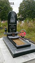 Пам'ятник для хлопця з граніту на могилу