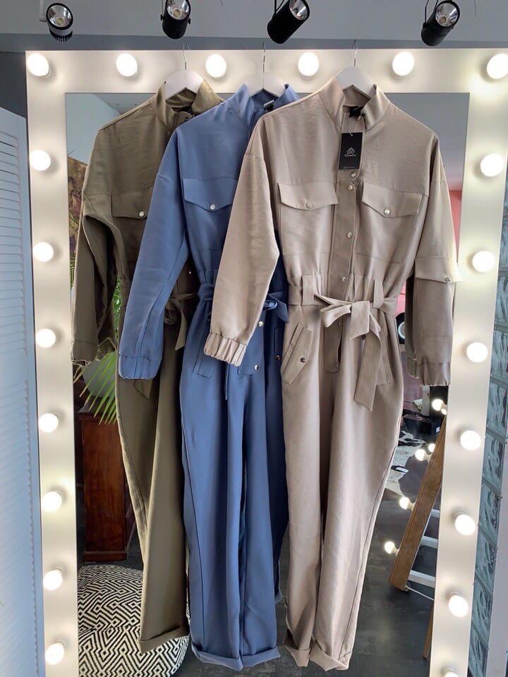 Комбинезон, ткань: мокрый джинс.  Размер:  S(42-44) M(44-46). Разные цвета(165)