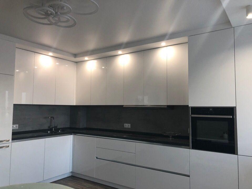 Кухня фарбований МДФ White gray з пазом