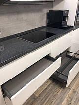 Кухня фарбований МДФ White gray з пазом, фото 3