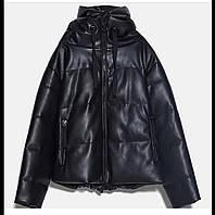 Дутая куртка из искусственной кожи с капюшоном 38 размер