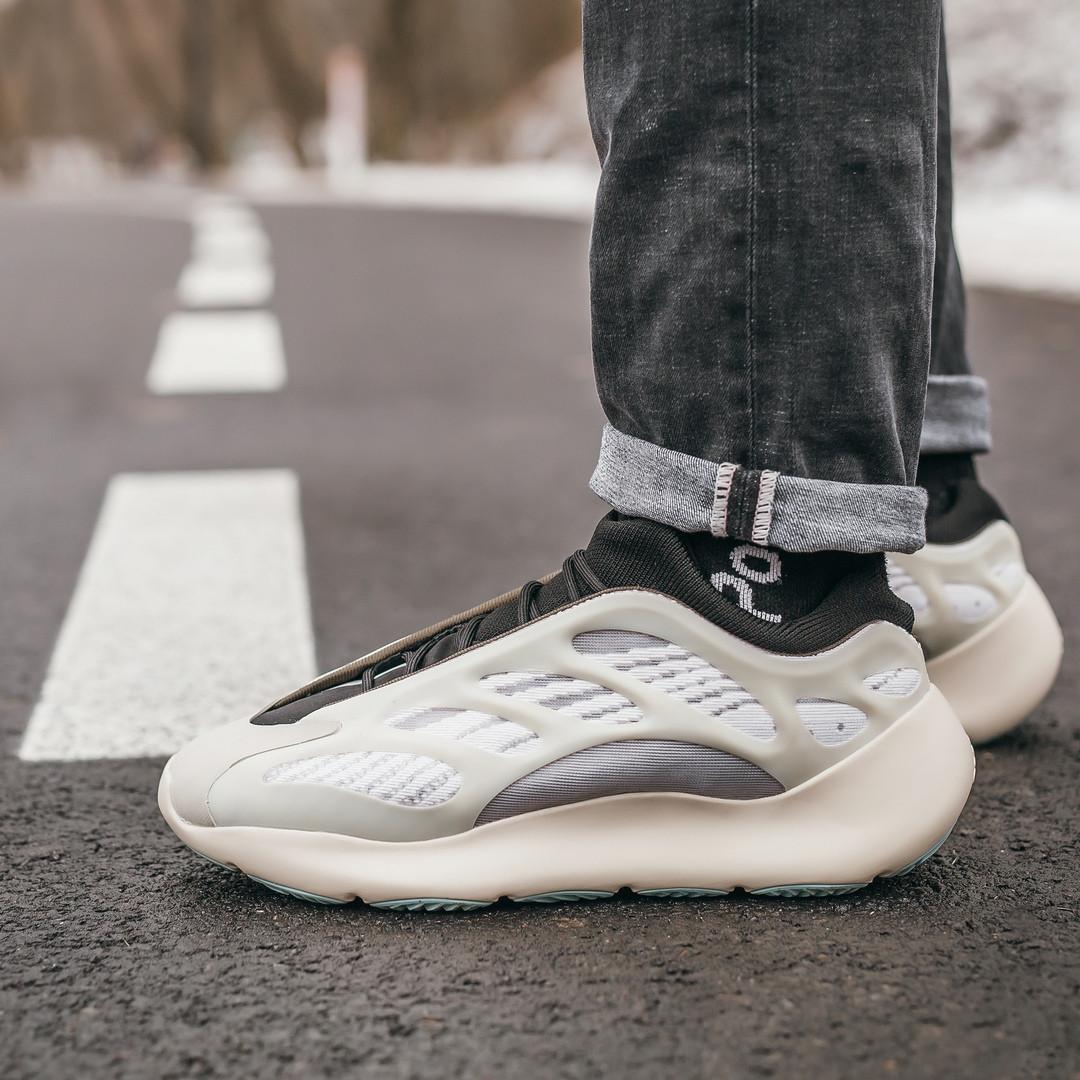 """Стильные мужские кроссовки Adidas Yeezy Boost 700 V3 """"Green"""""""