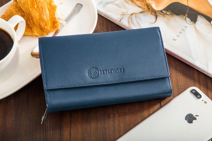 Жіночий шкіряний гаманець Betlewski з RFID 17,5 х 10 х 4 (BPD-SS-12) - синій