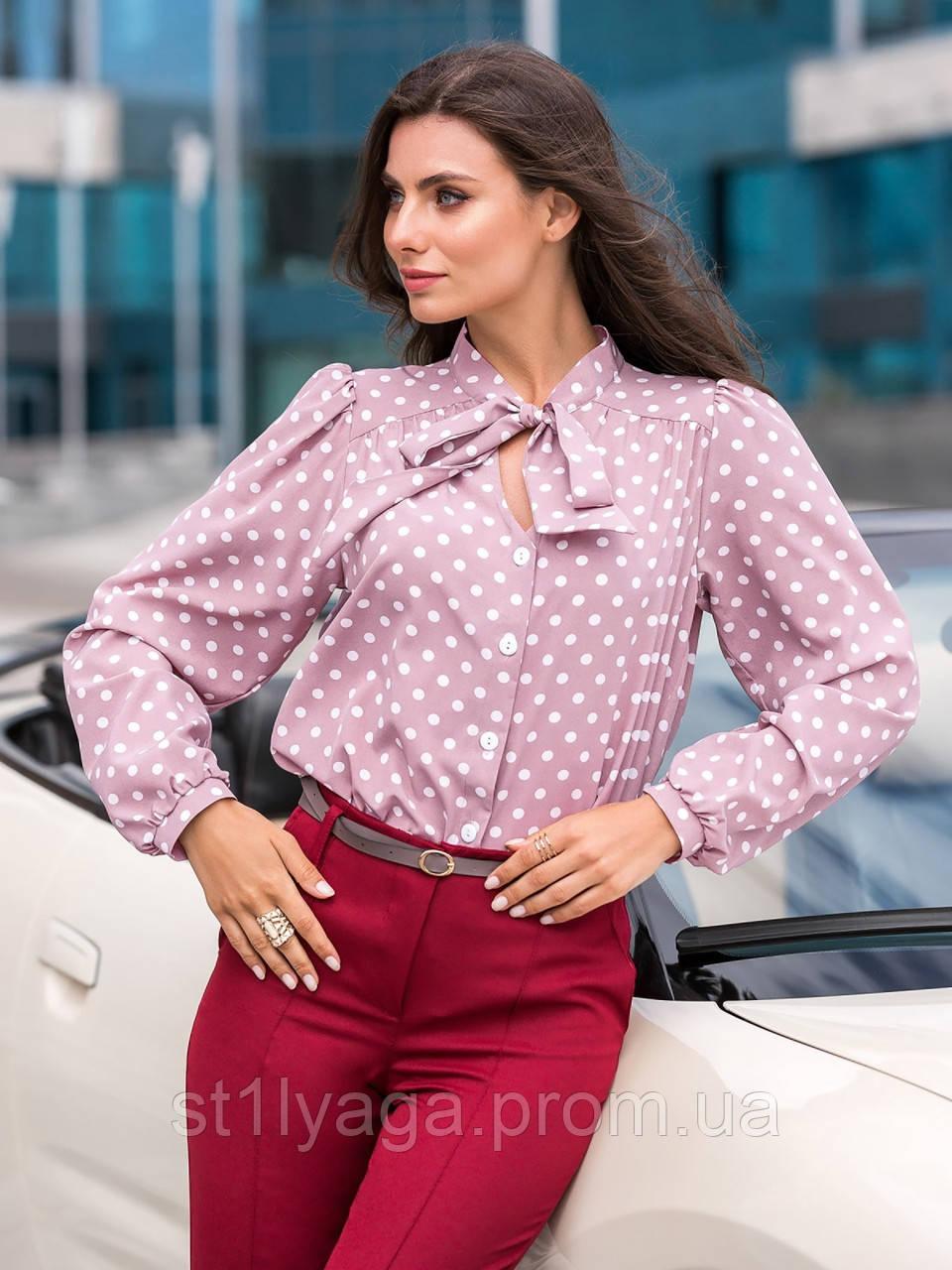 Стильная блузка в горошек с воротником стоечка и лентами переходящими в бант