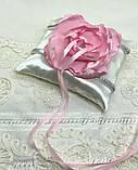Новая атласная подушка для обручальных колец с цветком, фото 3