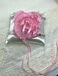 Новая атласная подушка для обручальных колец с цветком, фото 2