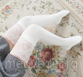 Белые женские гольфы-чулки выше колена с изящным кружевом