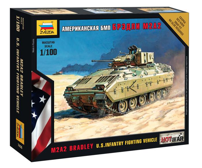"""Американский БМП """"Брэдли"""" М2А. Сборная модель, сборка без клея. 1/100 ZVEZDA 7406"""