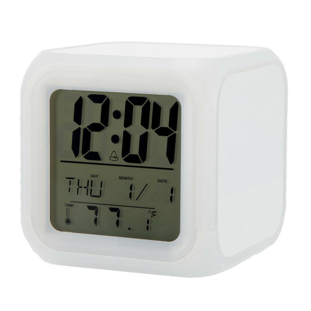Часы куб с переливающейся подсветкой и термометром