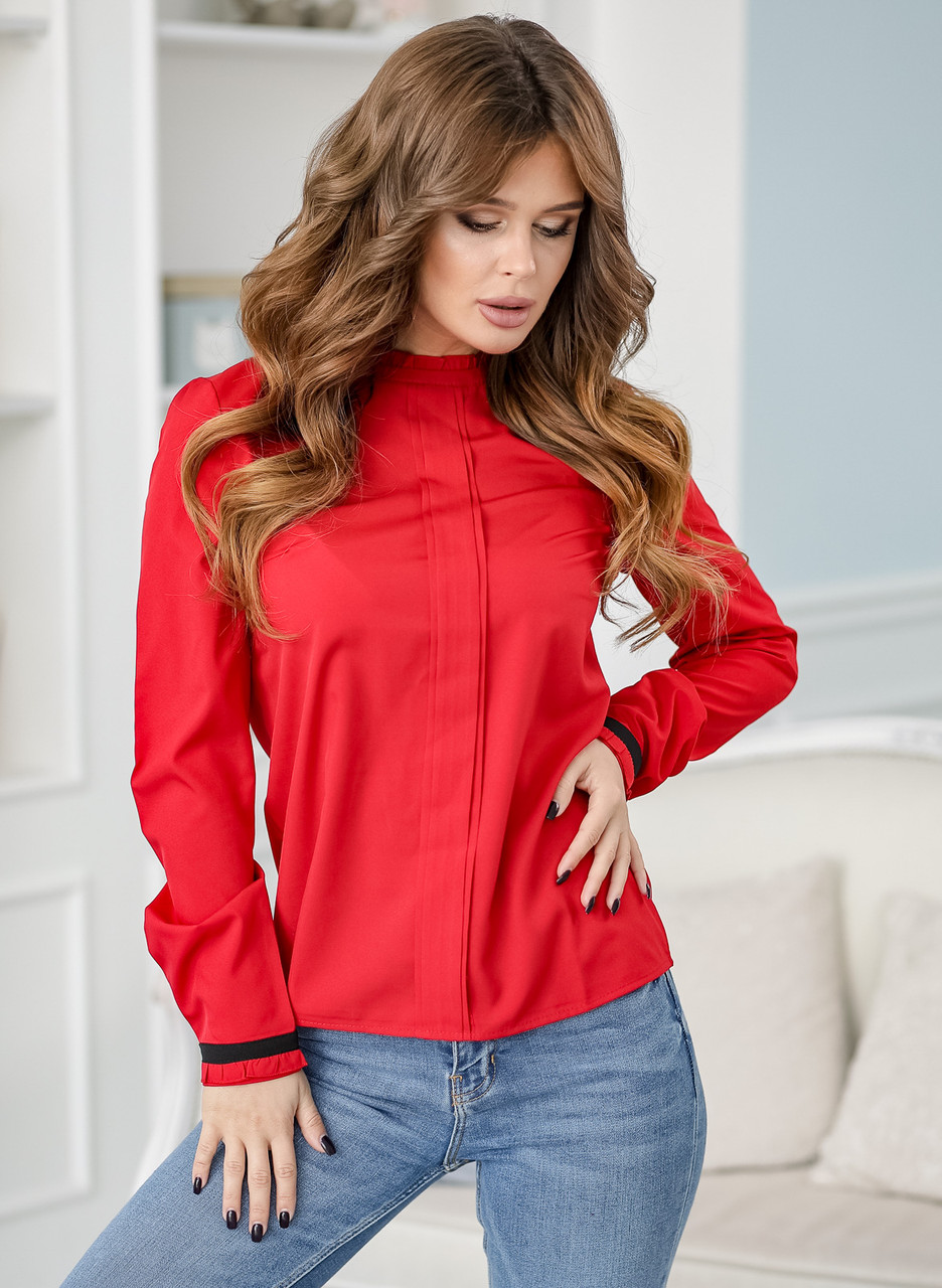 Женская блузка красная