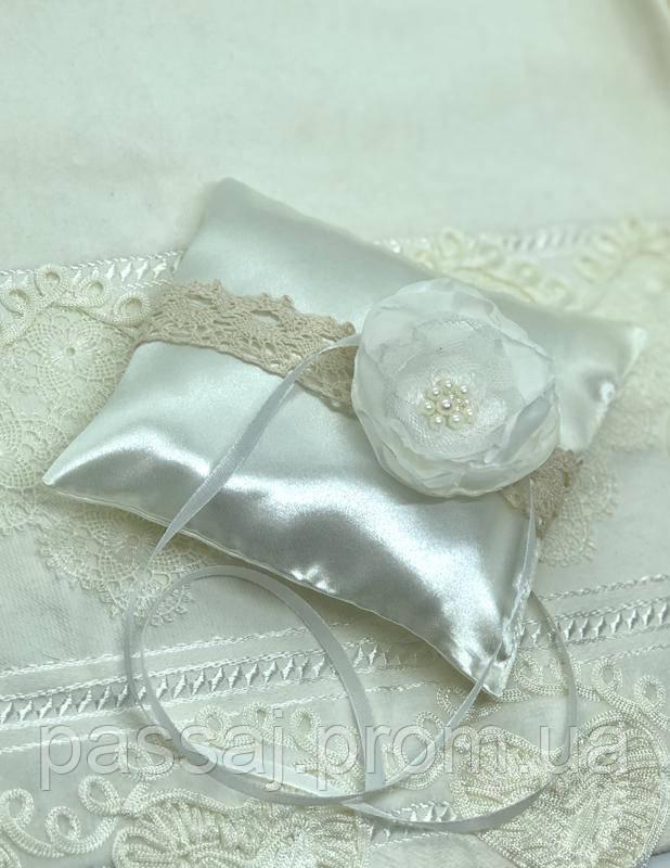 Весільна подушка для обручок