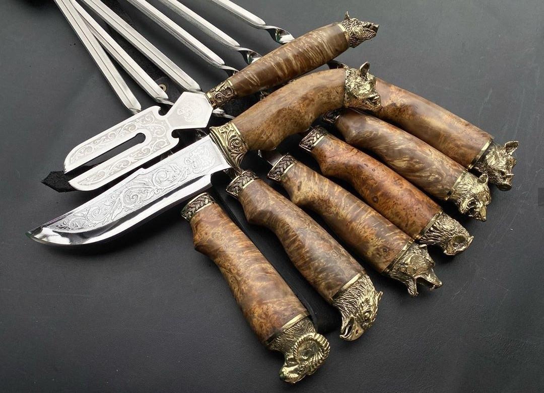 """Набір шампурів ручної роботи з шашличної виделкою і красивим ножем """"Подарунок єгерю"""" в сагайдаку зі шкіри"""