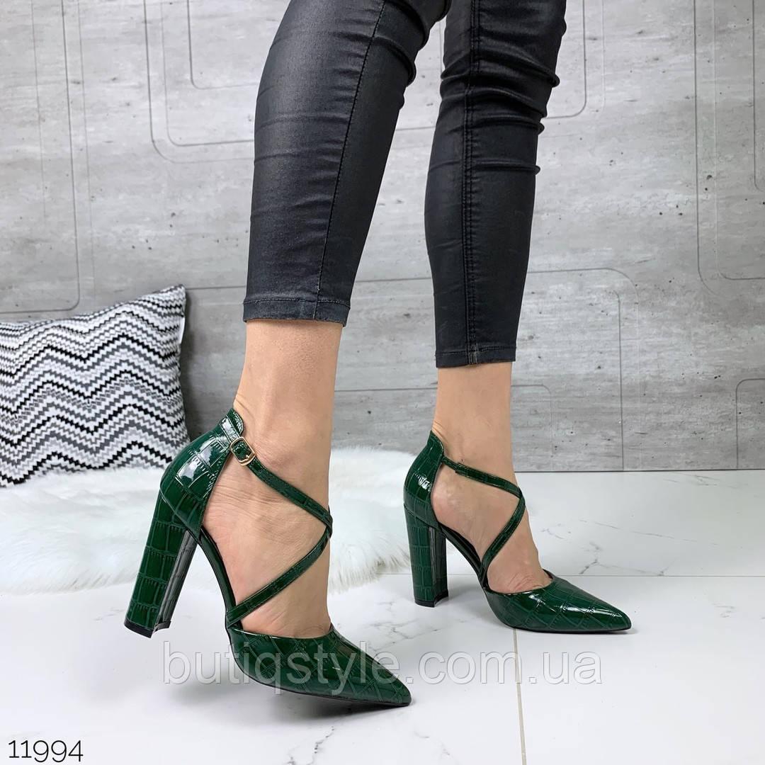 Женские зеленые туфли эко-кожа под питон с блеском