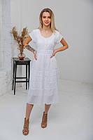 Легка літня біла батистова сукня міді гаптована машинною вишивкою №3419