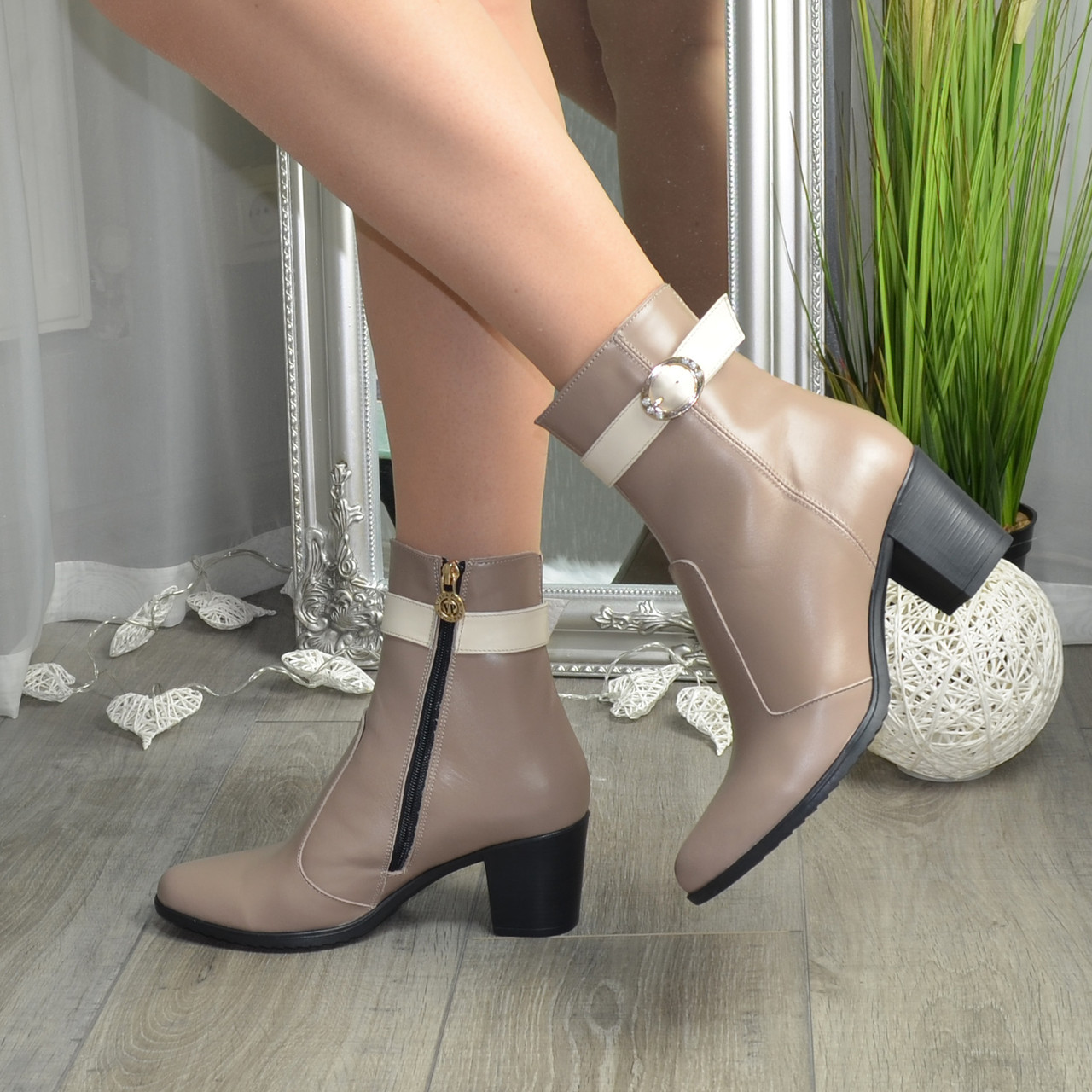 Женские кожаные ботинки на каблуке, цвет визон/беж