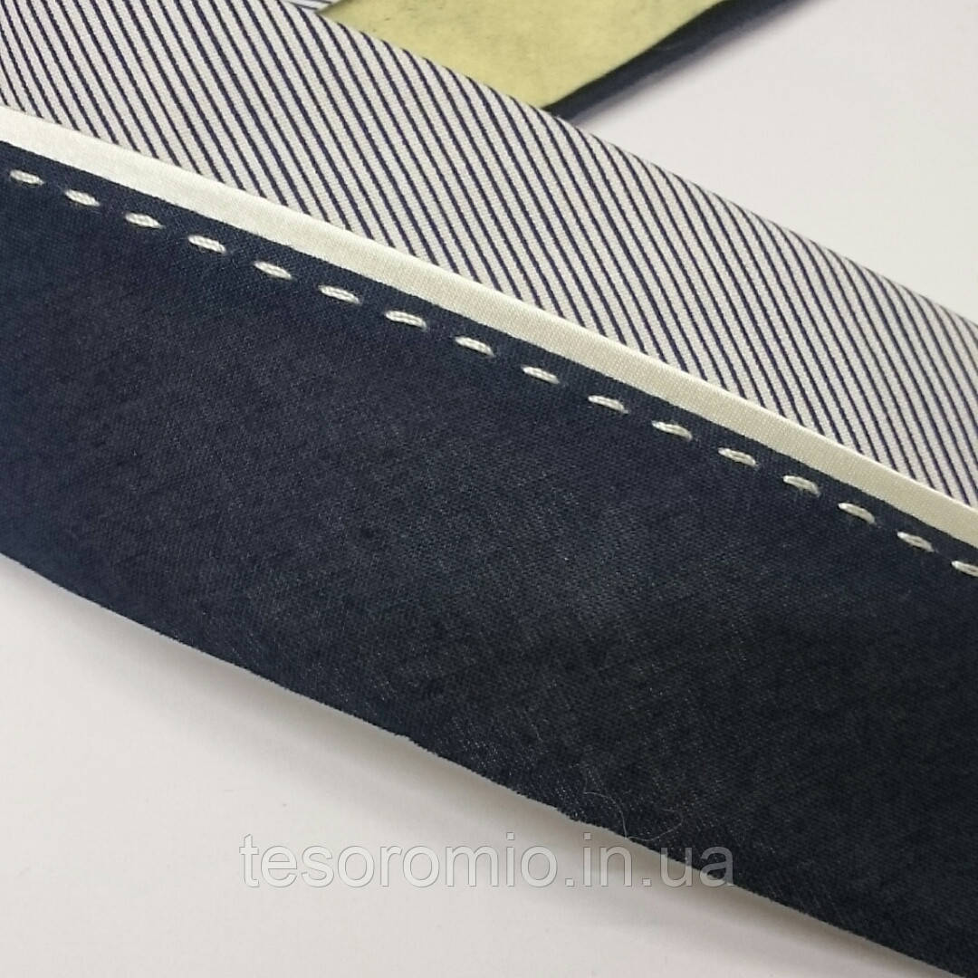 Корсажная лента для брюк. Ширина 7 см. Цвет темно-синий с синей полоской. С молочным кантом и прострочкой