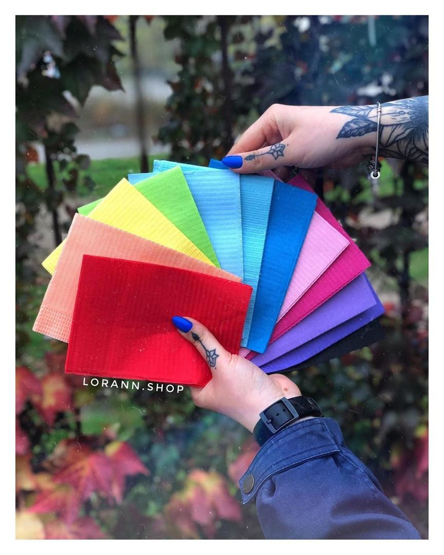 Салфетки для маникюрного стола цветные 125шт