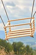 Качель деревянная-1