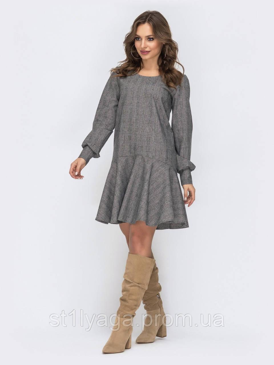 Повседневное платье из шерстяной ткани с длинным рукавом и широким воланом понизу серый