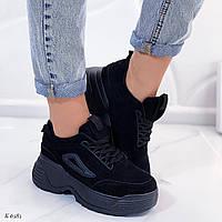 Женские кроссовки черные на платформе эко-замша