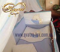 """Комплект детского постельного белья с кружевом """"Мишка на подушке"""" синий 8 единиц"""