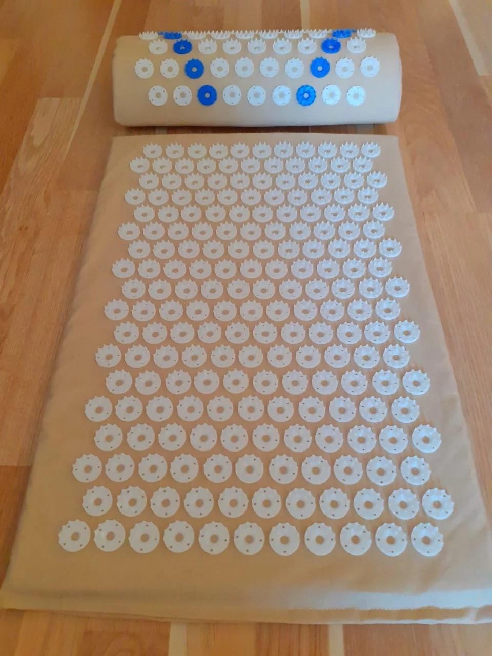Набор (коврик+валик) акупунктурный массажный Релакс 55*40*1 см (Shakti Mate, Acupressure mat), бежевый