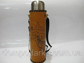 Термос эксклюзивный в кожаном чехле  с художественным выжигом (1 л)